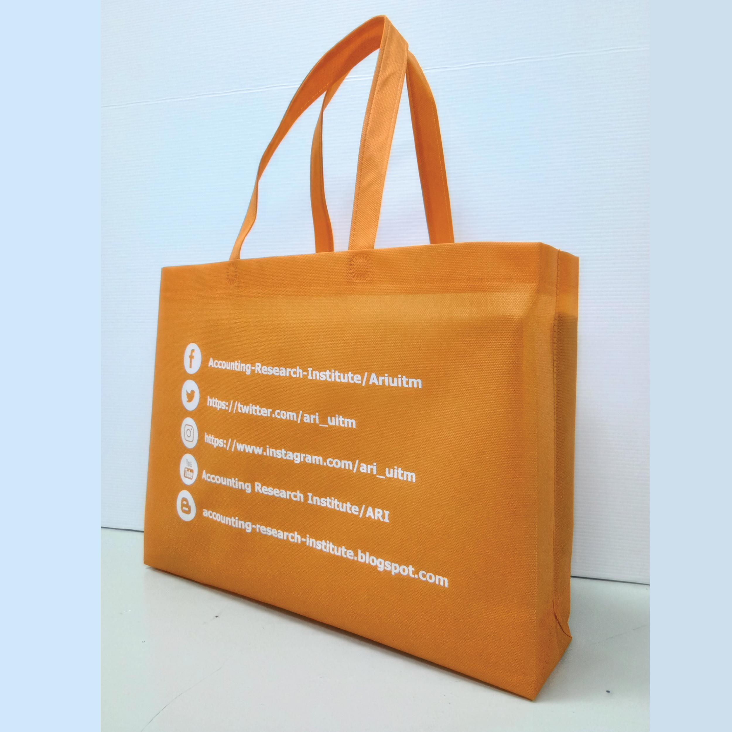 Non woven bag diletakkan dengan butiran perniagaan anda